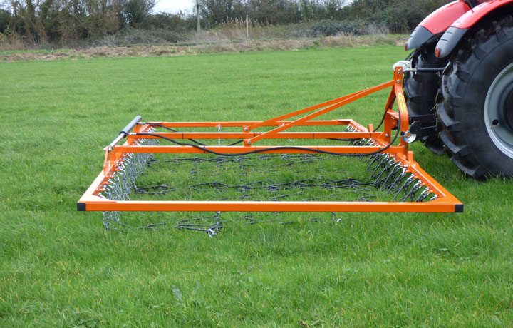 All our mounted chain harrows come with heavy duty 13mm tines